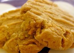 """Carol's """"Very Best"""" Peanut Cookies"""